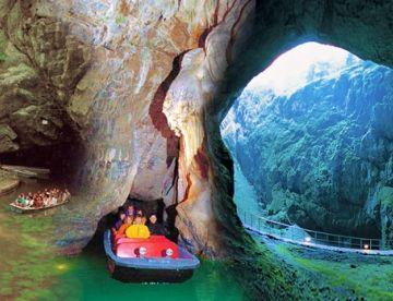 Моравия: карстовые пещеры и замок Леднице